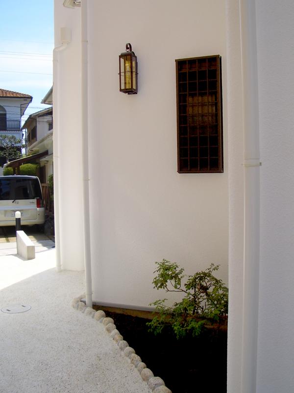 堺大美野 S邸 外観05 ヨーロッパの街並みにいるかのような雰囲気に。