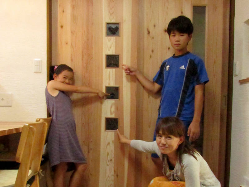 東大阪御厨 M邸 after ガラスクラフトを建具に使用しています。