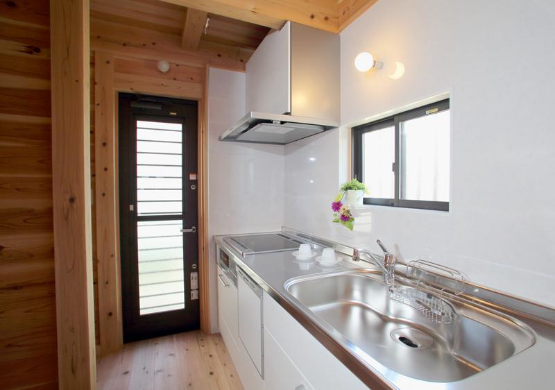 和歌山九度山 S邸『自然を感じる無垢の家』 キッチン