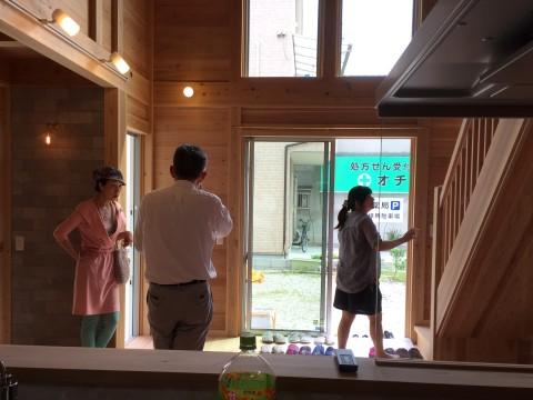 八尾刑部『漆喰とタイルの無垢の家』 完成見学会の様子