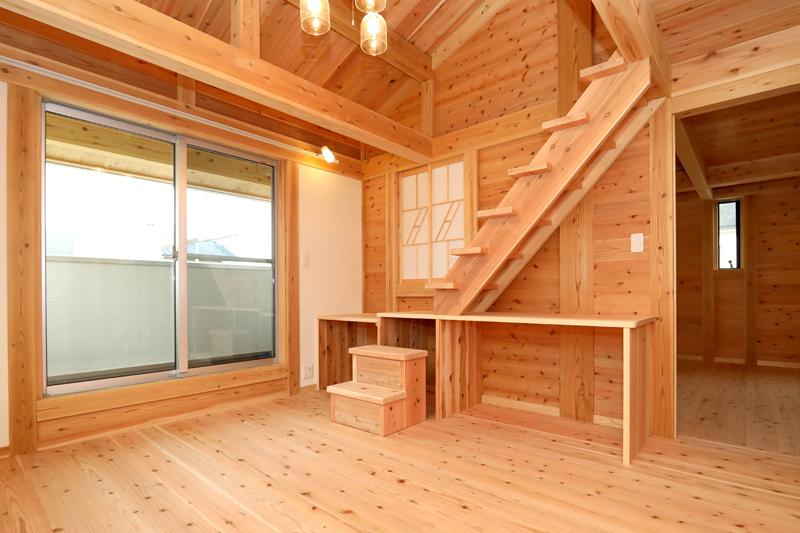 八尾刑部 G邸『漆喰とタイルの無垢の家』 2F 寝室